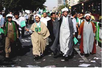 Iranian Clerics Demonstrate In Support of Mousavi- (source: khandaniha.eu)